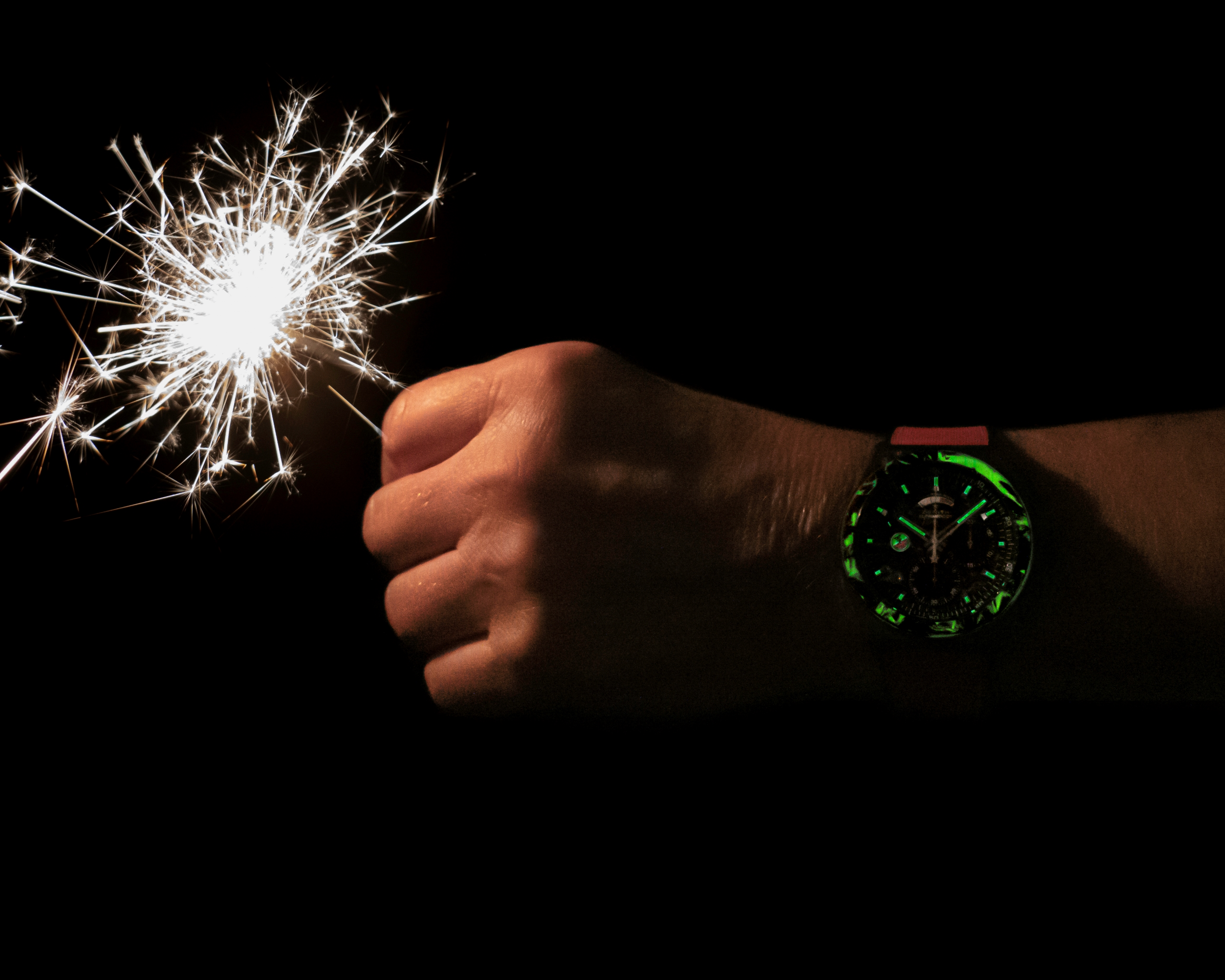 Luminescencyjna koperta zegarka Zenith Defy El Primero 21 Carl Cox Edition